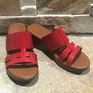 NEW, Italian Shoemaker, patent leather red wedges